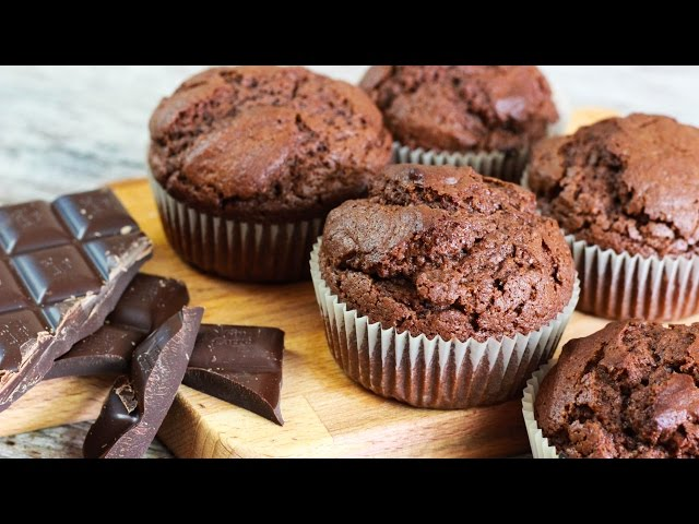 Saftige Schoko Muffins - Luftige Schokoladen Muffins Rezept