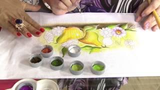 Aprenda como pintar peras e margaridas em um pano de copa!