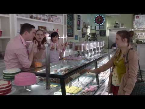 Girls: Season 1 - Cupcake Shop Deleted Scene (HBO)