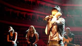 Nelly Furtado - Sozinho (LIVE)