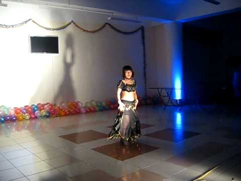 Belly dance - Hoang Huong's performance