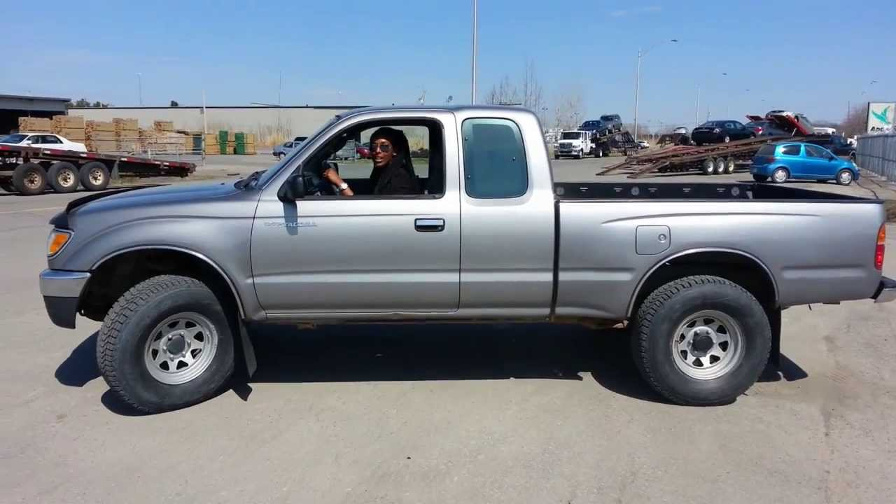 girl 39 s first time driving my 4x4 1996 toyota tacoma. Black Bedroom Furniture Sets. Home Design Ideas