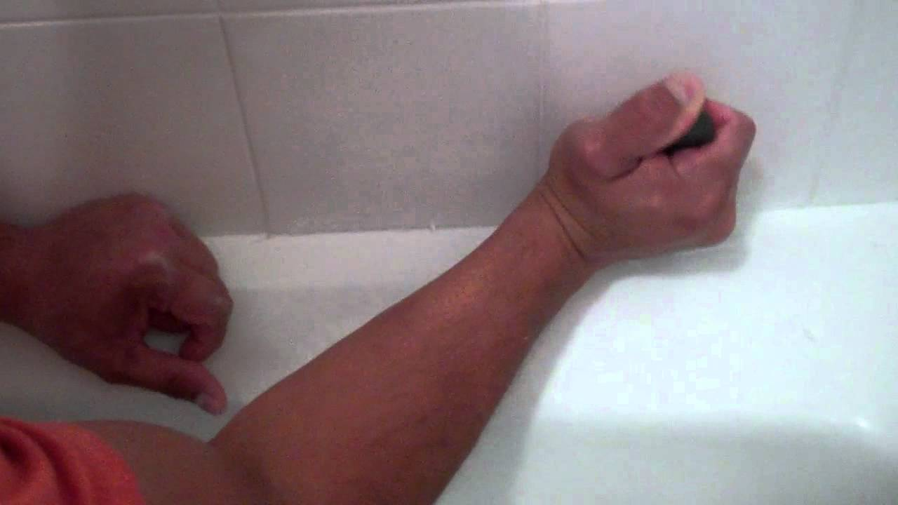 how to remove caulk in a tub shower youtube. Black Bedroom Furniture Sets. Home Design Ideas