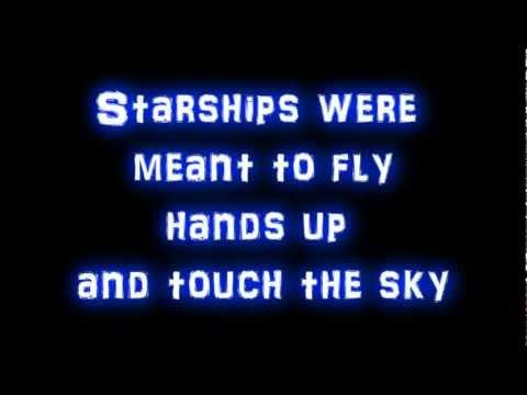 Nicki Minaj - Starships + (lyrics) New