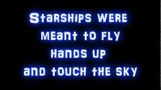 Nicki Minaj - Starships + (lyrics) New