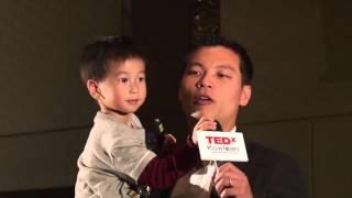 整體來說香港是灰的,但我們要有幽默感 | 呂秉權 Bruce Lui | TEDxKowloon 灰地順 検索動画 25