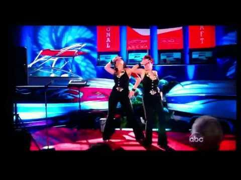 """Casey Wilson & Megan Mullaley on """"Happy Endings"""": """"Torn"""""""