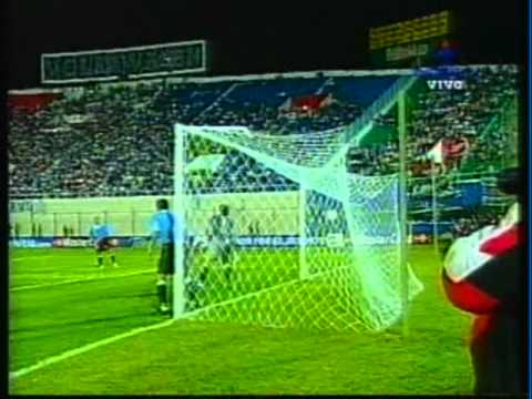 2000 (April 25) paraguay 1-Uruguay 0 (World Cup Qualifier).mpg