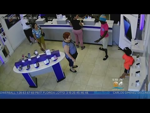 Metro PCS Store Robbery Caught On Camera