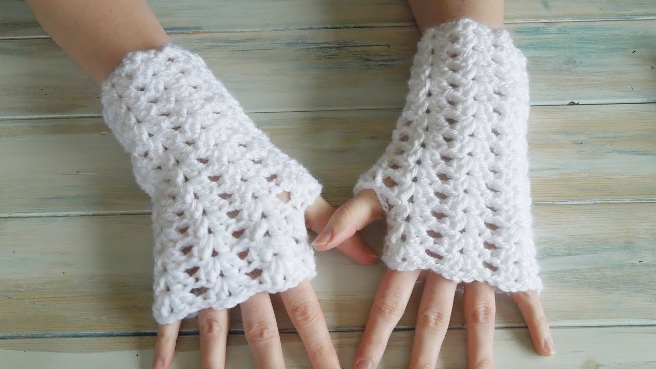 crochet) How To - Crochet Iris Stitch Finger-less Mittens - YouTube