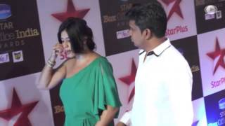 Hot ekta kapoor side shape cleavage scene
