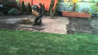 Укладка рулонного газона(, 2013-02-26T18:17:35.000Z)