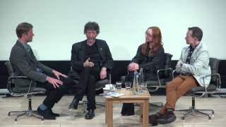 Repeat youtube video Neil Gaiman and Tori Amos: Comic Connections