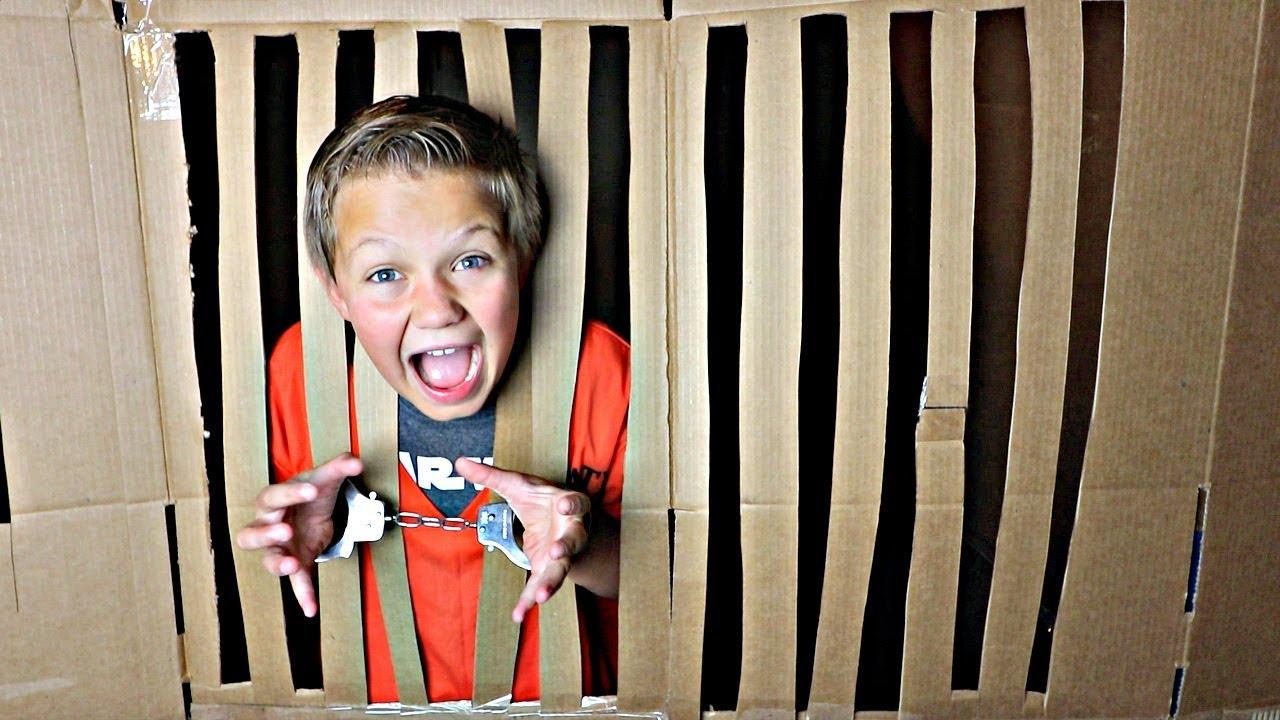 box-fort-prison-escape