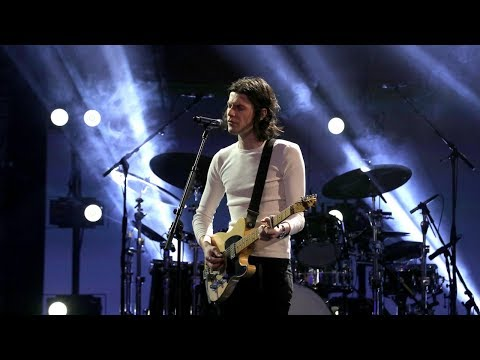 Chris Davis - James Bay - 'Bad' Live on Ellen