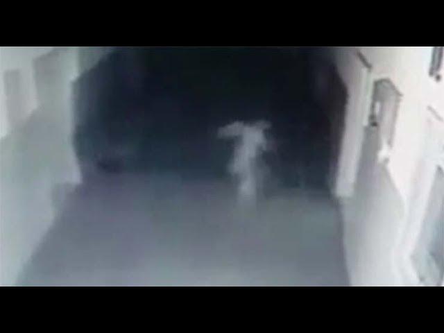 Cámara de seguridad capta un fantasma vagando en el interior de una comisaría de policía de Serbia