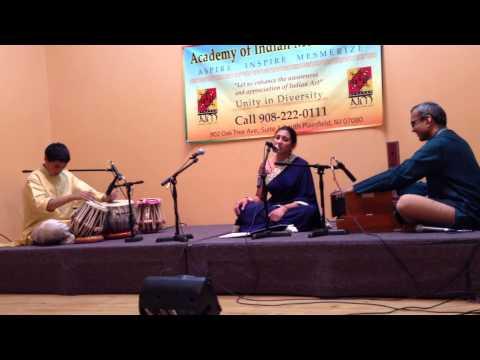 Meera Bhajan Kinu Sang Khelu Holi by Priya Bhandarkar