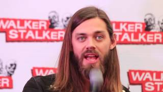 WSC London 2017: Tom Payne about the TWD family, naked Andrew Lincoln & Jesus relationship to Daryl
