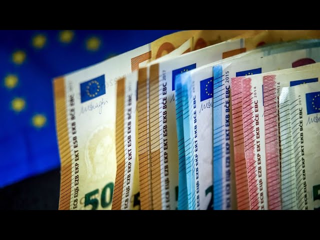 Euro to Rise as ECB Has `Less Weapons' Than Fed, Algebris Says