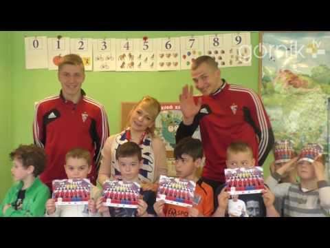 Piłkarze Górnika odwiedzili przedszkolaków z Sośnicy