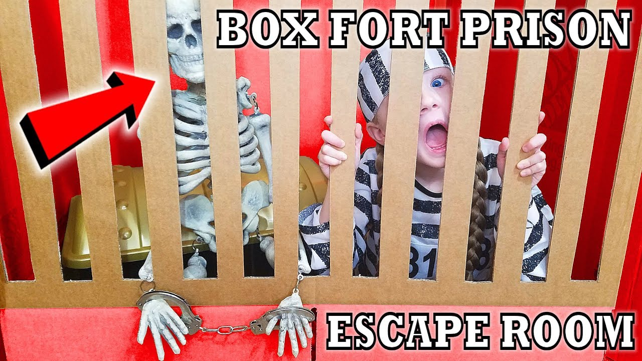 Box Fort Prison Escape Room Breaking Out Of Maximum