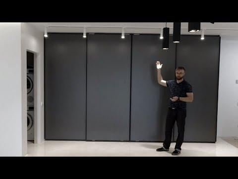 Встроенный шкаф-купе серого цвета. Скрытая раздвижная система, верхнеопорная Starke Glatt Шкафы Киев