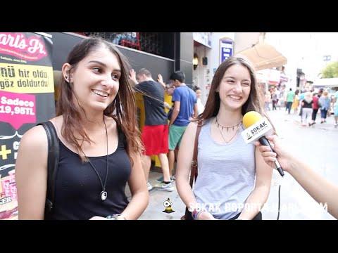 Sokak Röportajları - İlk Görüşte Aşka Inanır Mısınız?