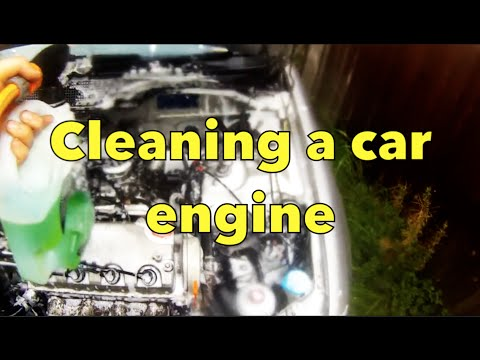 cleaning a car engine