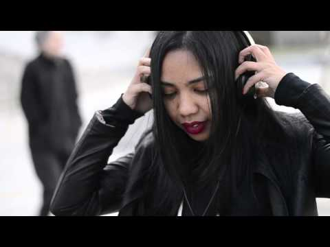 Niu Raza ft Irena Taib - Waiting