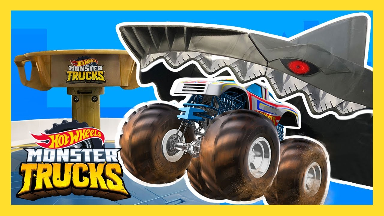 Mecha Shark Eats Mega Monster Truck Monster Trucks Hot Wheels Youtube