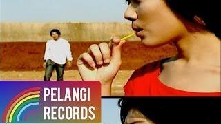 Download Lagu Caffeine - Yang Tak Pernah (Official Music Video) mp3