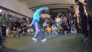 AMAZING 7 to smoke Bgirl battle |