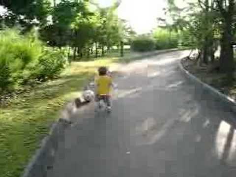 Chau tap bong voi chu Thuy