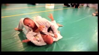 Estrangulamiento con solapa desde Kuzure Kesa Gatame, jiu jitsu brasileño en cuernavaca