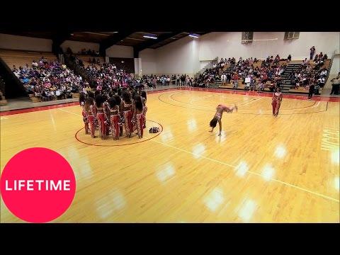 Bring It!: Dancing Dolls' Pom Pom Creative Routine (Season 3, Episode 8) | Lifetime