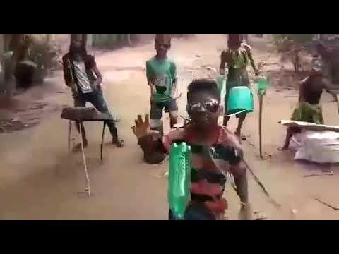 Funny video Laxmi na Chinni Lakshmi video song