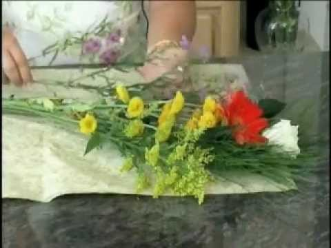 The Impromptu Bouquet with Author Deborah Dolen: How to Make a Mixed Floral Bouquet