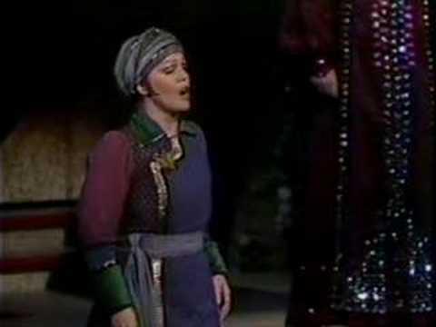 Katia Ricciarelli - Turandot - Liu's Death Scene