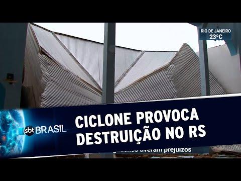 Ciclone provoca destruição