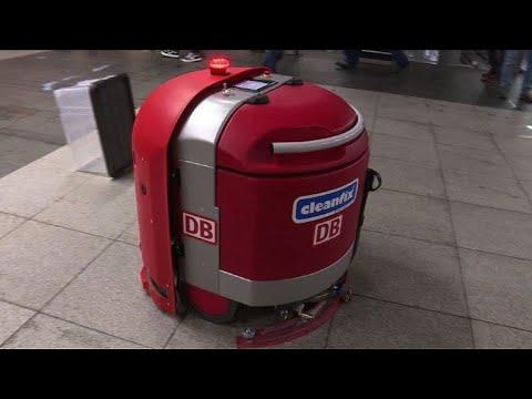 Berlin: courses de robots nettoyeurs à la gare