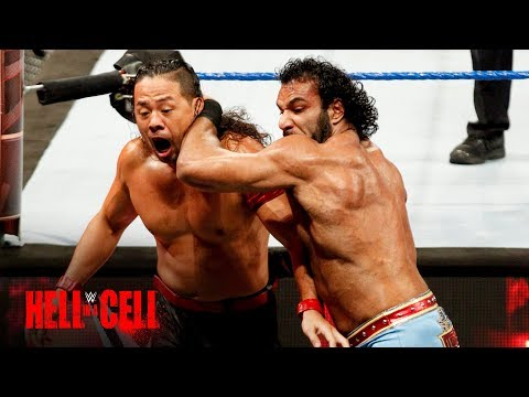 WWE Champion Jinder Mahal tosses Shinsuke Nakamura over the barrier: WWE Hell in a Cell 2017