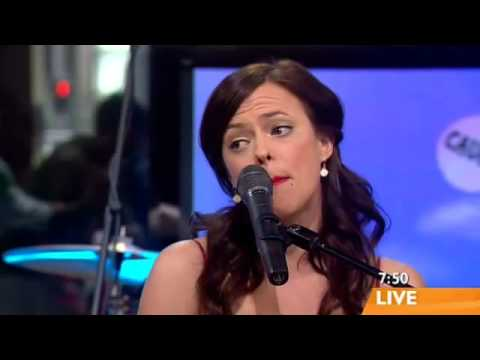 Lenka singing 'The Show' on Sunrise