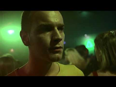 Trainspotting - scene  with Czech subtitle, music Atomic by Sleeper