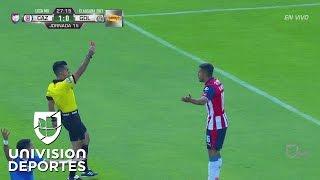 Chivas se queda con 10 por la expulsión de Miguel Ponce