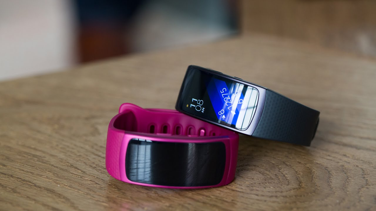 Samsung gear fit 2 gear iconx hands on putting fitness at the top - Samsung Gear Fit 2 Gear Iconx Hands On Putting Fitness At The Top 50
