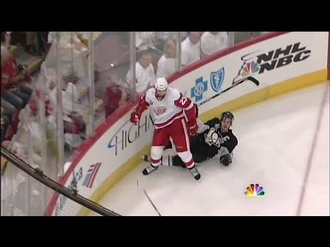 Detroit Red Wings: Best Hits From the Playoff Streak