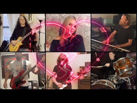 Miembros de Testament, Anthrax y más versionan a tevie Nicks