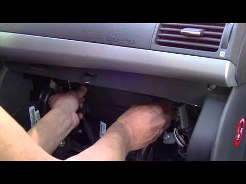 Toyota Avensis 2008 Замена воздушного фильтра салона