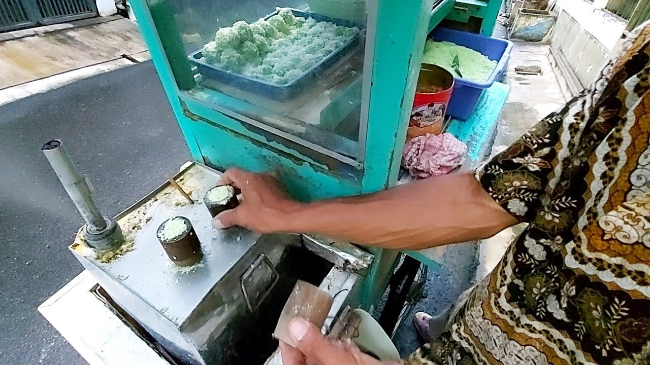 BIKINNYA MASIH PAKAI BAMBU & JUALAN DARI TAHUN 70AN - INDONESIAN STREET FOOD