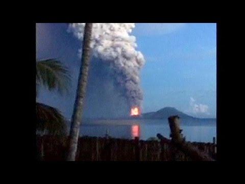 Papouasie : le volcan Tavurvur entre en éruption